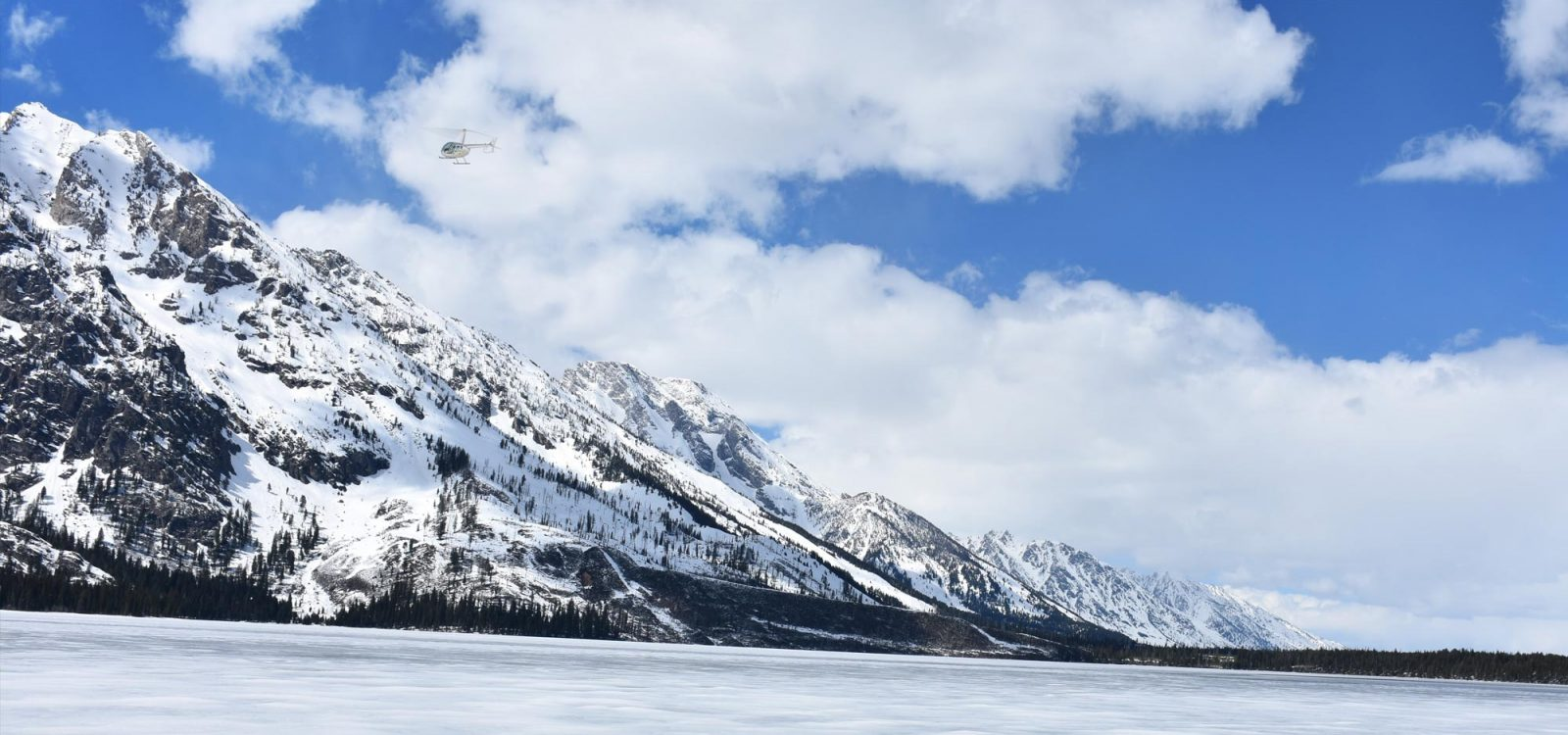 yellowstone helicopter tours